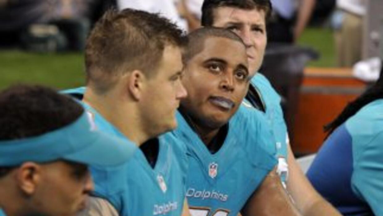 El escándalo de la línea ofensiva de Dolphins ya cobró su primera víctim...