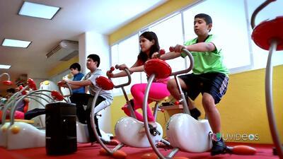 Gimnasio para niños, en lucha contra la obesidad infantil