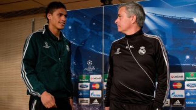 El técnico portugués desea a Varane con los 'Blues', al grado de llamarl...