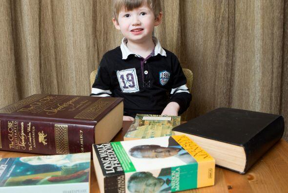 Él puede contar en diferentes idiomas y resolver problemas matemáticos.