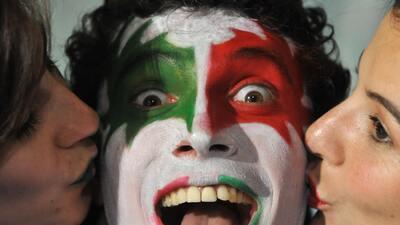 El color de los rostros en el fútbol y la historia detrás del maquillaje de los hinchas