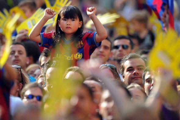 La niñez no podía faltar entre la gente que se dio cita en Barcelona.