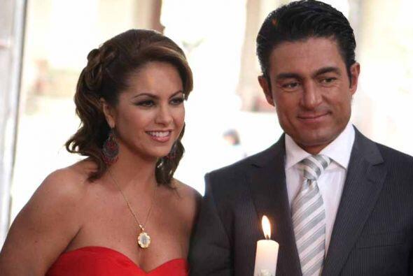 Lucero Hogaza León nació el 29 de agosto de 1969 en la Ciudad de México.
