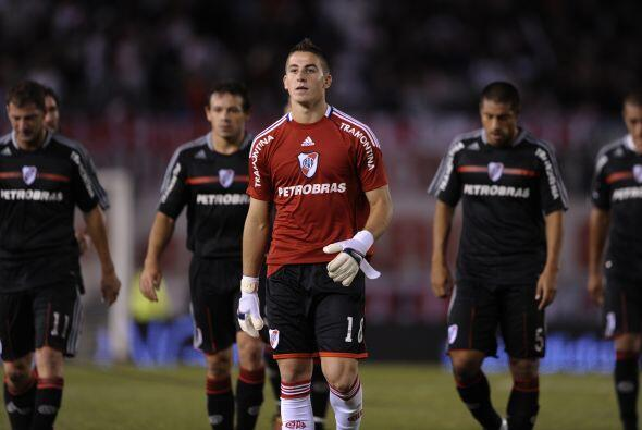 River cayó por 2-1 ante Vélez en un partido que será recordado por el ga...