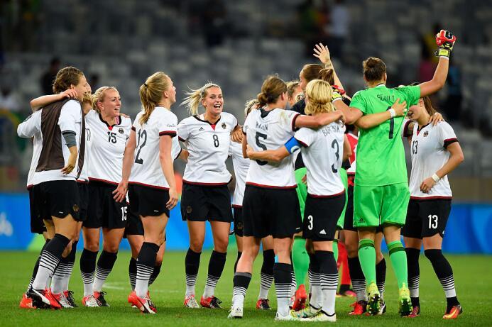 Alemania se clasifica a la final del fútbol femenil y competirá por la m...