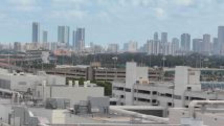 La nueva explanada (concourse) D del Aeropuerto Internacional de Miami e...