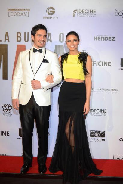 Junto a su galán se encuentra promocionando su nueva película, 'A la mala'.