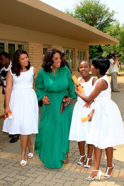 Oprah Winfrey inauguró Oprah Winfrey Leadership Academy for Girls en Sud...
