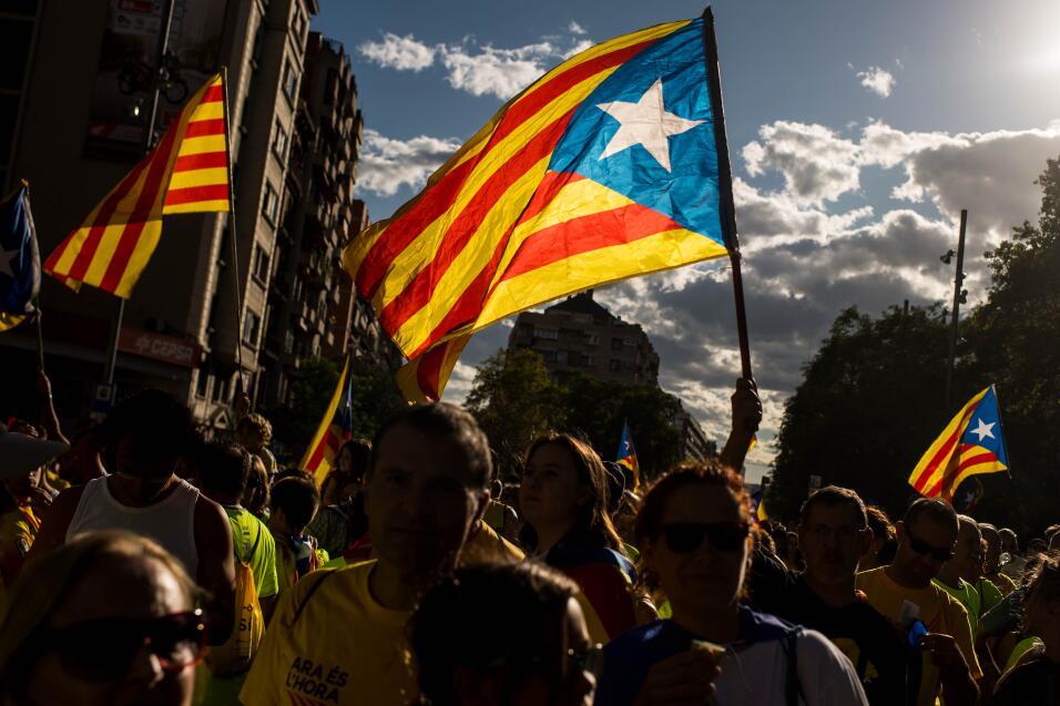 Declaración de independencia en Cataluña. El gobierno espa...