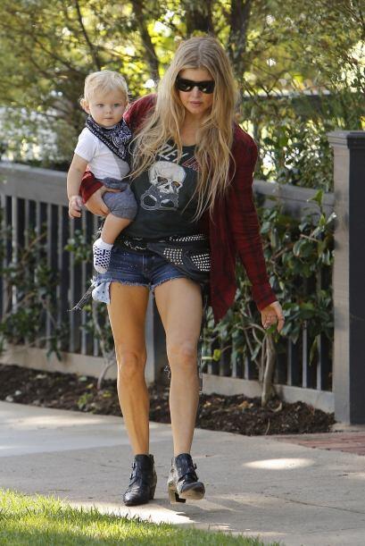 Fergie es una de las famosas que la maternidad le ha sentado de maravilla.