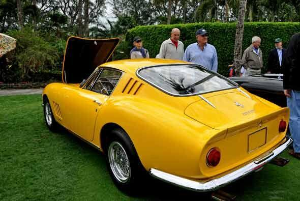 Este Ferrari 275 GTB 4 1967 está conservado como en su primer día de vida.