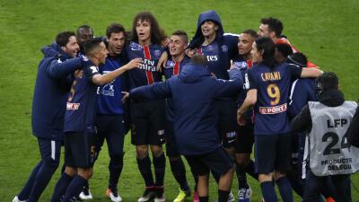 El París Saint Germain ganó la Copa de la Liga de Francia con goles de Pastore y Di María