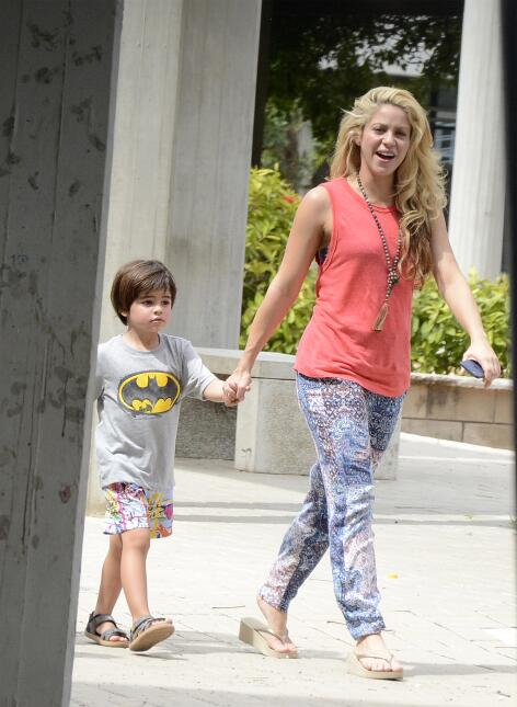 Singer Shakira, her sons Milan and Sasha and her boyfriend FC Barcelona...