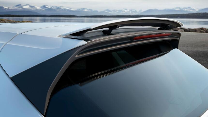 Porsche convierte a la Cayenne Turbo en todo un deportivo Cayenne 05.jpg