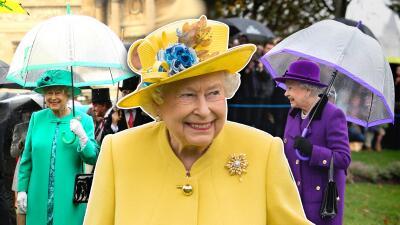 La obsesión de la reina Isabel II por combinar sus looks llega hasta la sombrilla (literalmente)