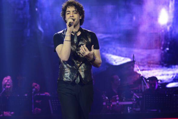 A Raúl le tocó cantar el tema de una de sus ídolas.
