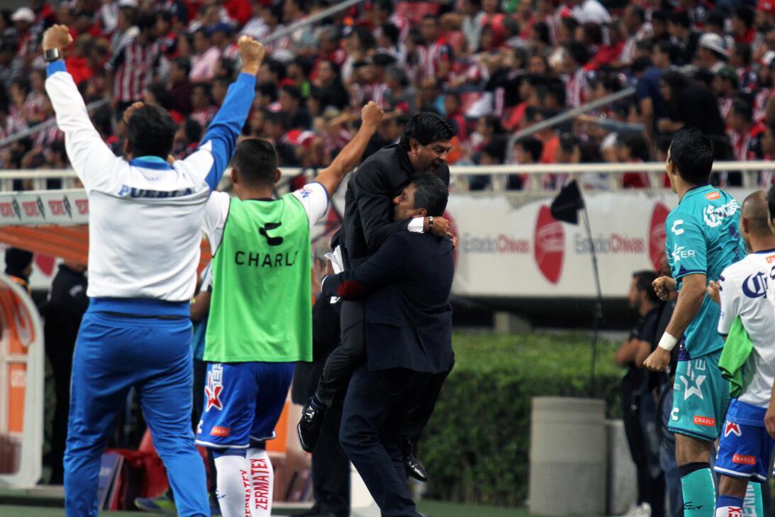 Chivas viene de atrás para ganar un partido de locura 20170408_2386.jpg