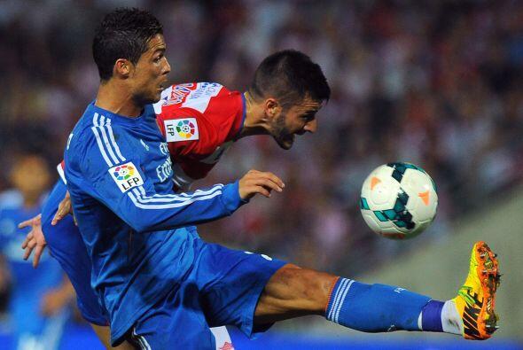 Un apretado triunfo del Madrid, de 1-0 sobre Granada, que sigue sin conv...