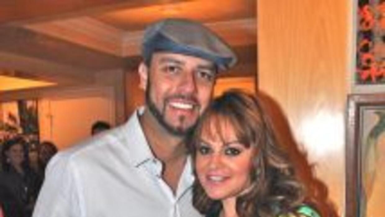 Esteban Loaiza fue la pareja de Jenni Rivera desde 2008. Luego de habers...