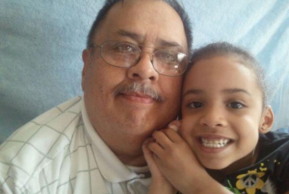 La bella nieta de Pete Skaggs le envía un mensaje a su abuelito:...