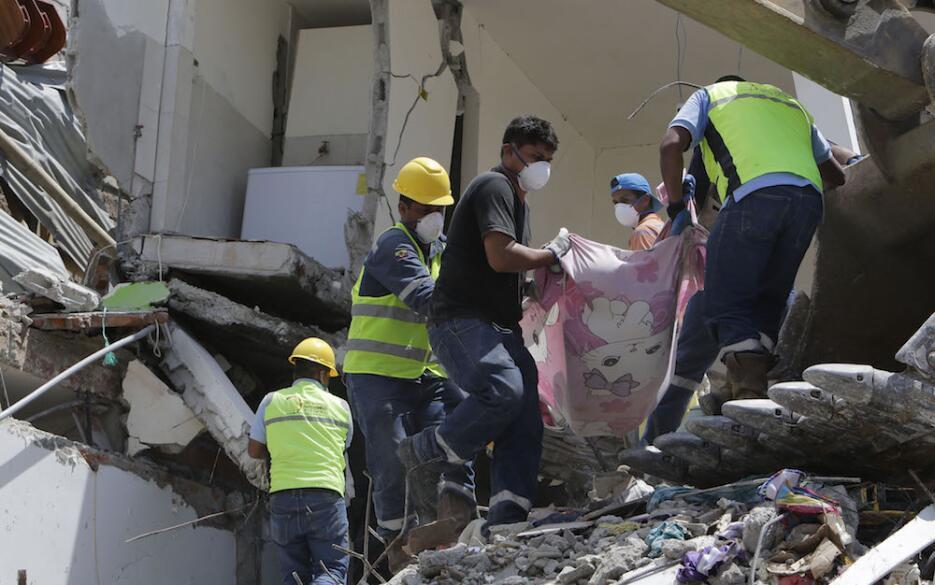 Las imágenes que nos deja el potente terremoto en Ecuador  ecuador22.jpg