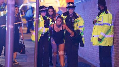 En fotos: Explosión en estadio de Manchester durante un concierto de Ariana Grande