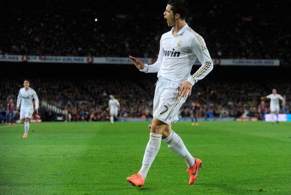 La delantera arranca con el jugador de la jornada en el mundo, Cristiano...