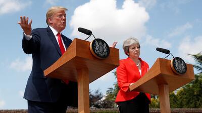 """""""Nunca la critiqué, tengo mucho respeto por ella"""": Trump niega declaraciones frente a Theresa May"""