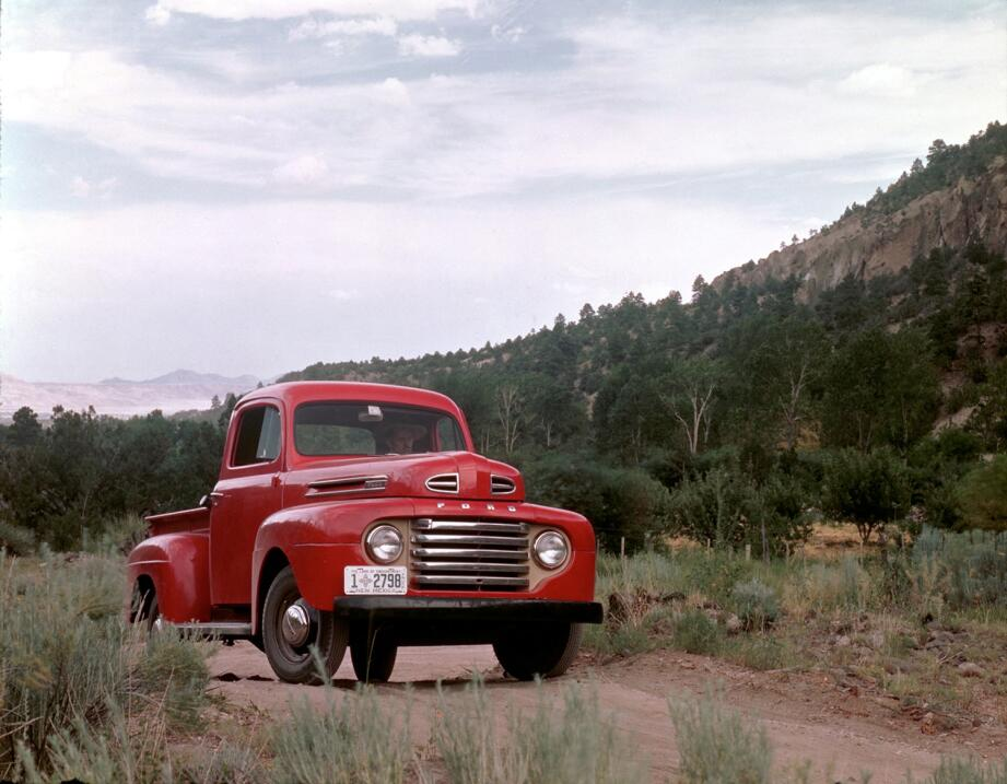 La camioneta pickup cumple su primer siglo 1948_Ford_F-1_pickup_truck_ne...