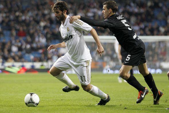 Eso no sería todo, el Madrid usó este duelo para que algunos de sus juga...