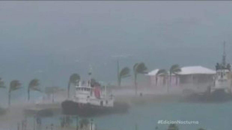 El huracán Gonzalo impacta a las Islas Bermudas