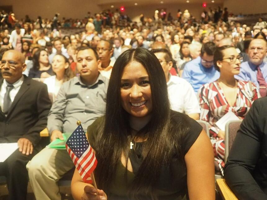 Dulce Matuz: de soñadora a ciudadana estadounidense Dulce Matuz3.jpg