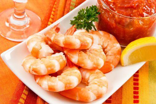Plato fuerte: Camarones ahumados con chipotle Ingredientes: Aceite en ae...