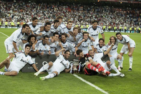 6. Campeón de la Supercopa:  Fue su tercer y último título en el club bl...