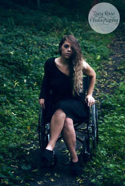 Después de tanto dolor, Katie fue diagnosticada con la enfermedad degene...