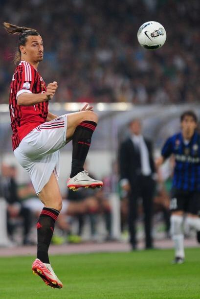 Los 'rossoneros' intentaron llegar al empate mediante un remate de cabez...