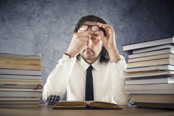 Si observas a una persona que al leer cierra los ojos tratando de hacerl...