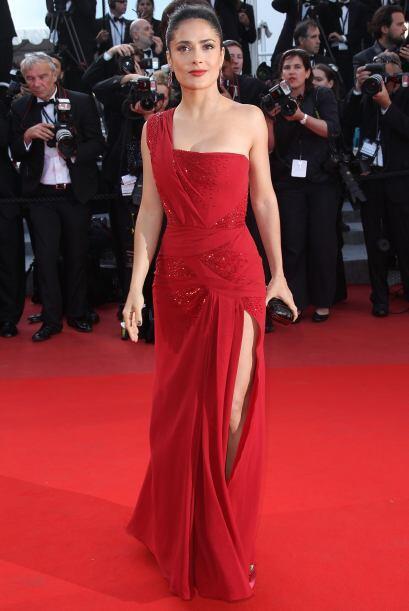 Salma Hayek se dio a conocer en México como actriz de telenovelas, una d...