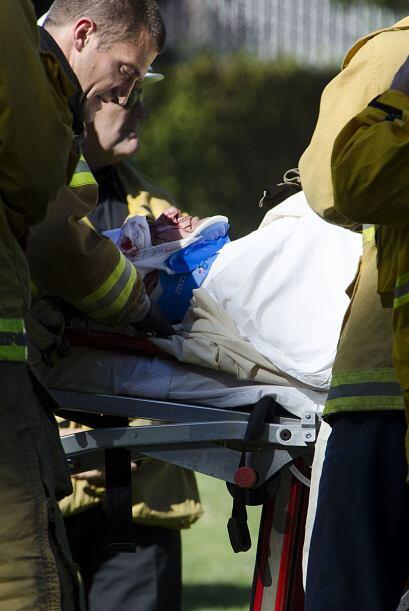 Ahora han salido a la luz las primeras imágenes de paramédicos atendiend...