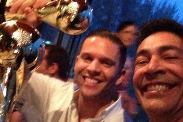 """""""@rodnerfigueroa yo no me gane un #Emmy pero me gane una copa, quien dir..."""