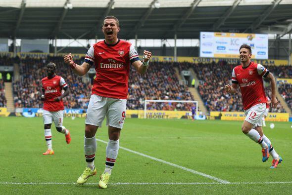 El veterano Lucas Podolski hizo dos anotaciones y el Arsenal ganó por co...