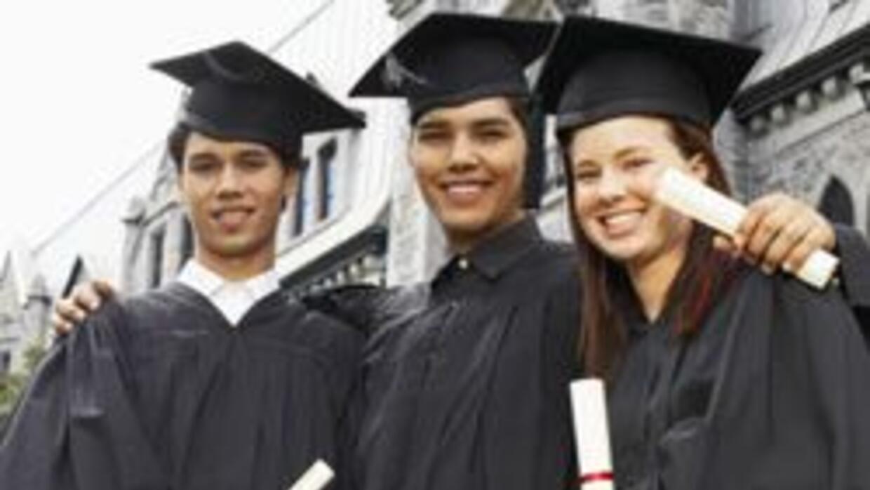 Univision y el Hispanic Scholarship Fund unen esfuerzos por latinos 1b41...