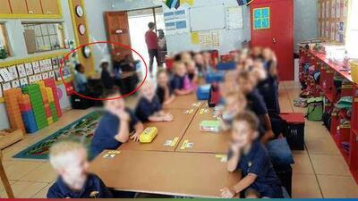 Maestro racista separaba a los niños por su color de piel