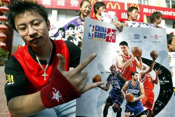 Yao Ming no sólo logró el reconocimiento internacional, sino que ayudó a...