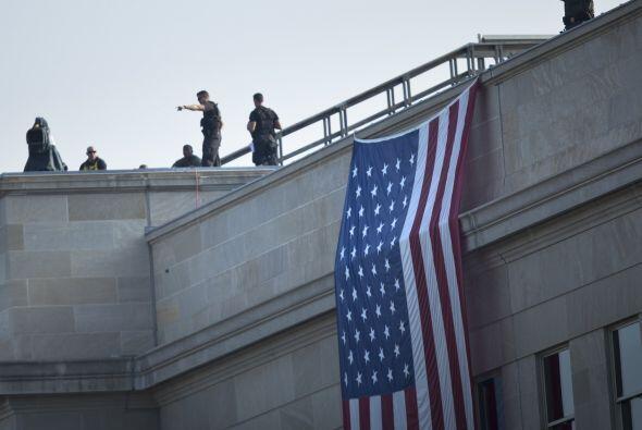 La seguridad estuvo muy fuerte en el Pentágono durante la ceremonia, inc...
