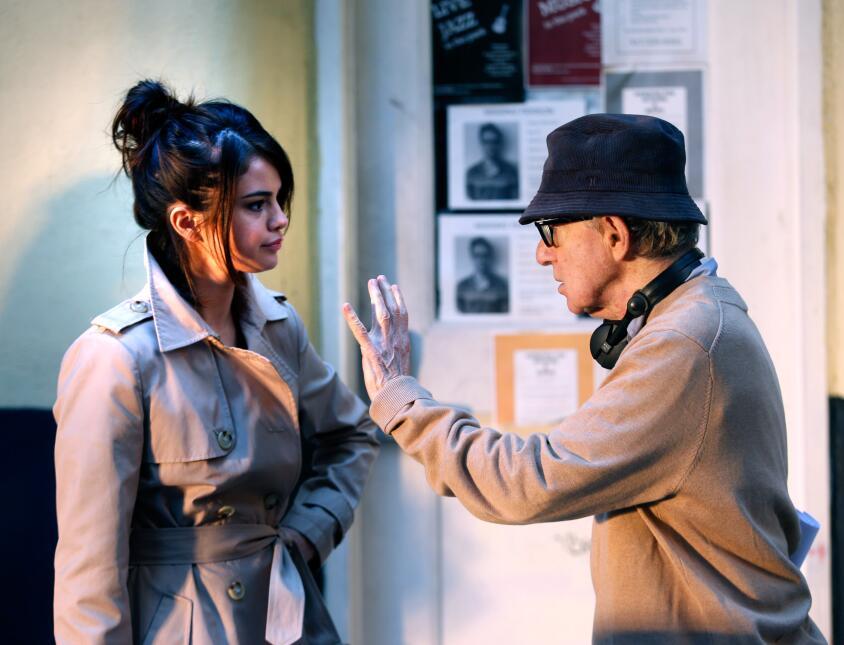 Selena Gomez recibió primero las instrucciones de Woody Allen.