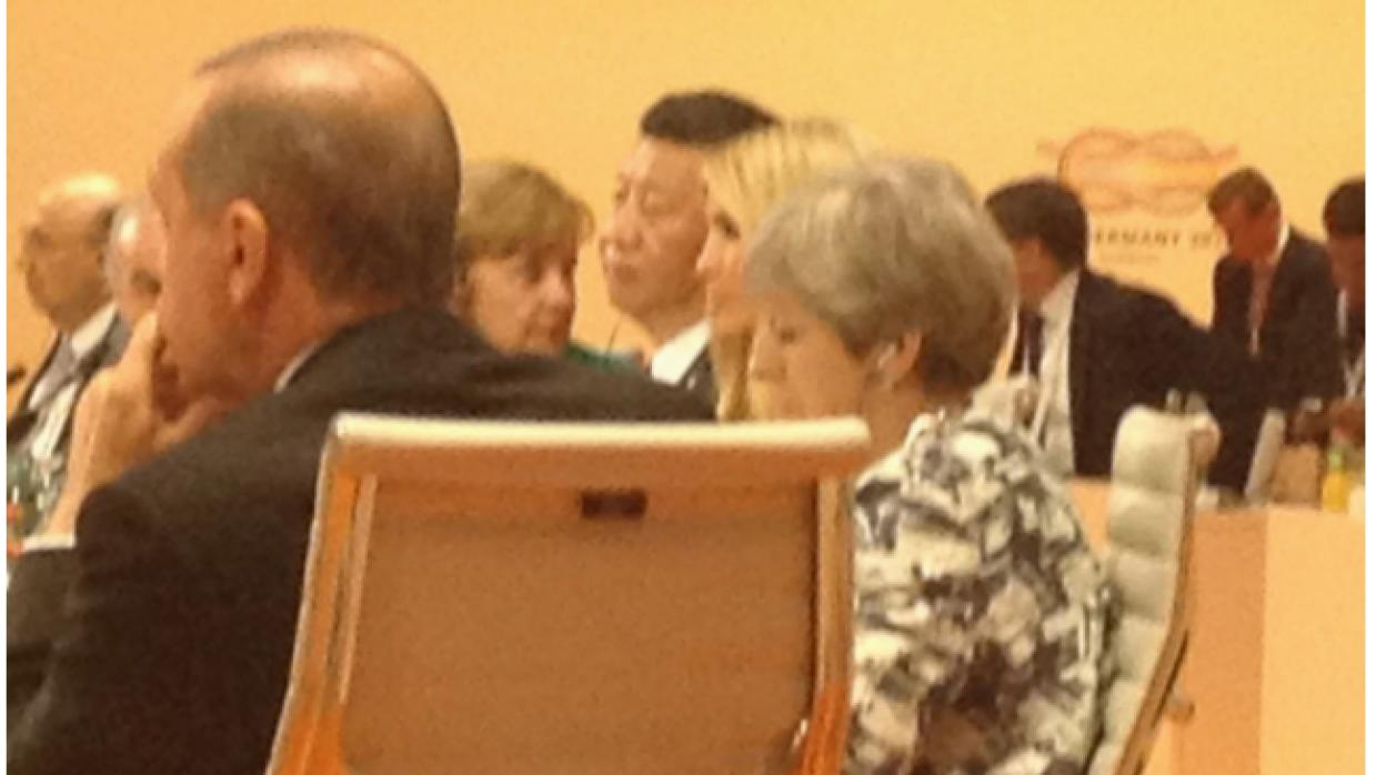 """""""(Ivanka Trump) reemplaza al pres Trump en la mesa del #G20 cuando..."""