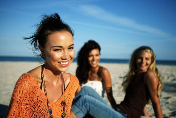 Maquillarte para ir a la playa no es un pecado. De hecho, está de moda e...
