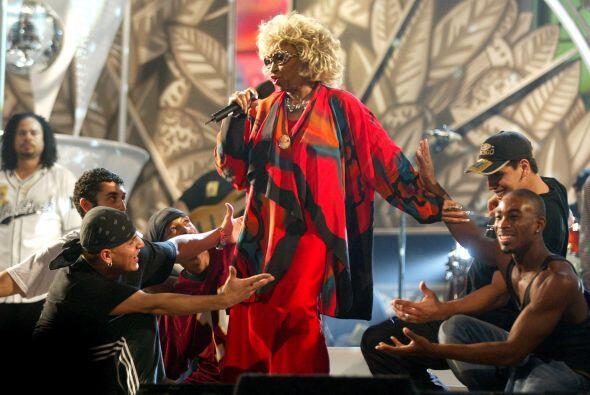 Celia Cruz fue una exitosa cantante cubana de son montuno, guaracha y sa...