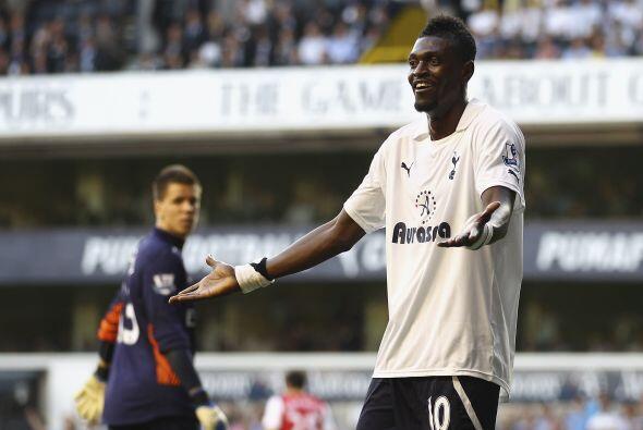 Emmanuel Adebayor, ex jugador del Arsenal, no pudo marcarle a su antiguo...